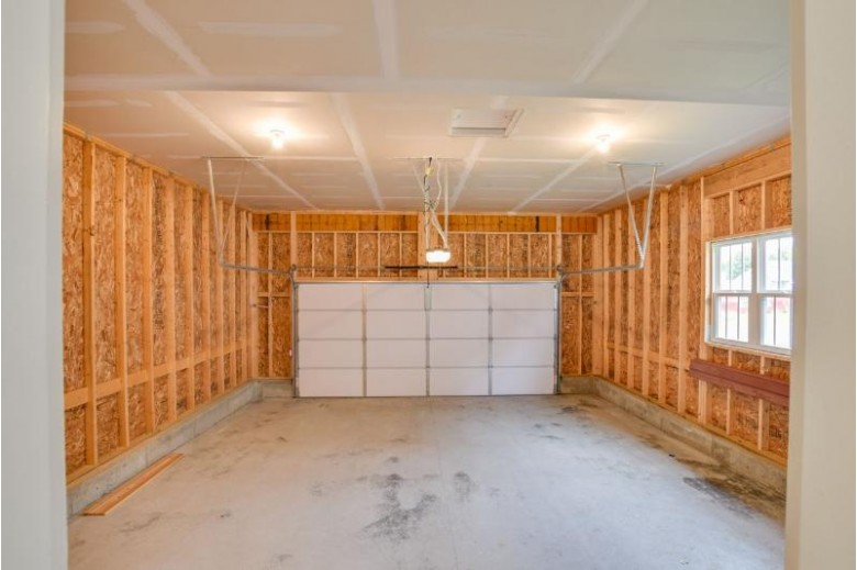 4885 Romaine Rd Fitchburg, WI 53711 by Encore Real Estate Services, Inc. $375,000