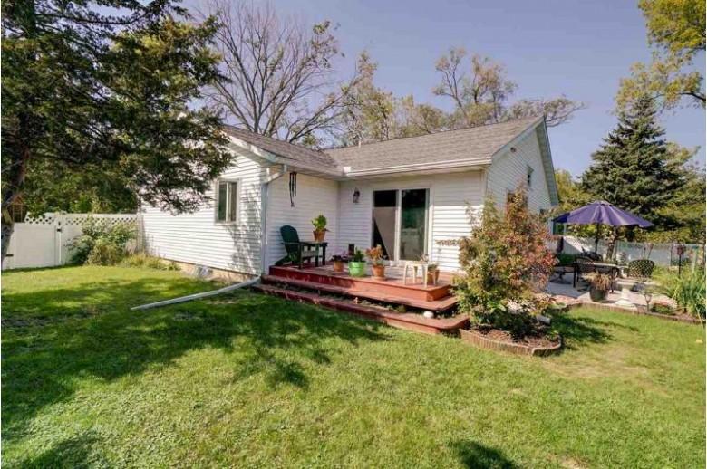 404 N Main St Pardeeville, WI 53954 by Stark Company, Realtors $259,900