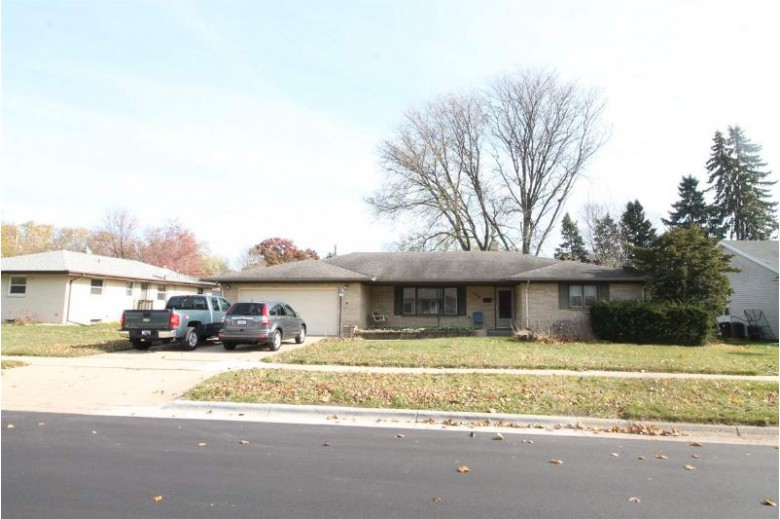 1418 N Sumac Dr Janesville, WI 53545 by Briggs Realty Group, Inc $219,900