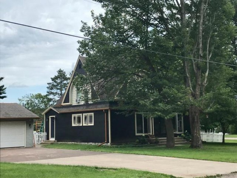 407 Central Ave S Crandon, WI 54520 by Homeland Realty Wi Llc $170,000