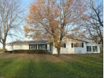 545 Lookout Dr Pewaukee, WI 53072 by Koepp Realty $379,000