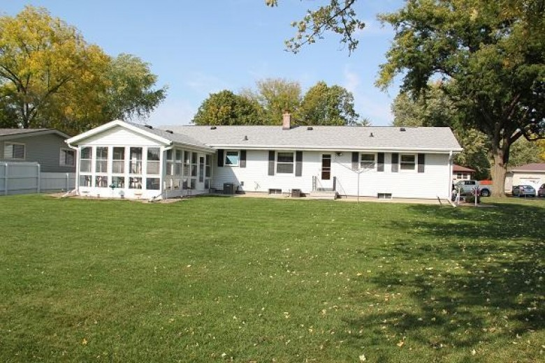 326 Rogers St, Fort Atkinson, WI by Wayne Hayes Real Estate Llc $240,000