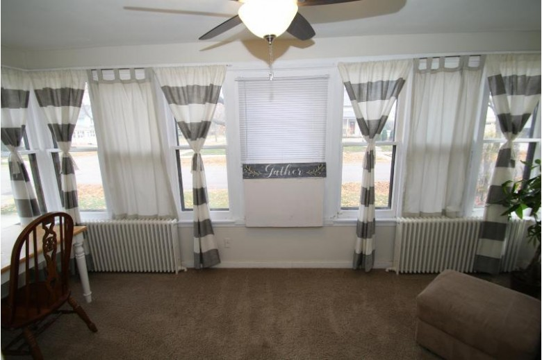 123 Dunbar Ave Waukesha, WI 53186-4506 by Moving Forward Realty $222,500