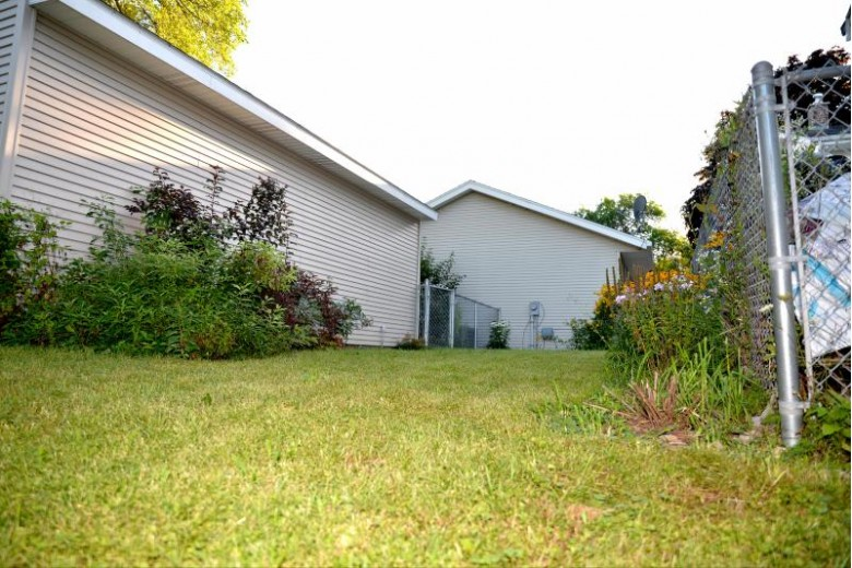 6466 N 53rd St, Milwaukee, WI by Wiley Realty Group $134,900