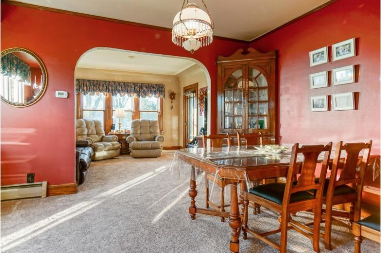 3912 S Troy Ave, Saint Francis, WI by Lake Country Flat Fee $239,900