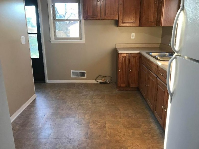7144 Cliffside Dr, Racine, WI by List 4 Less Mls Of Wi $199,900