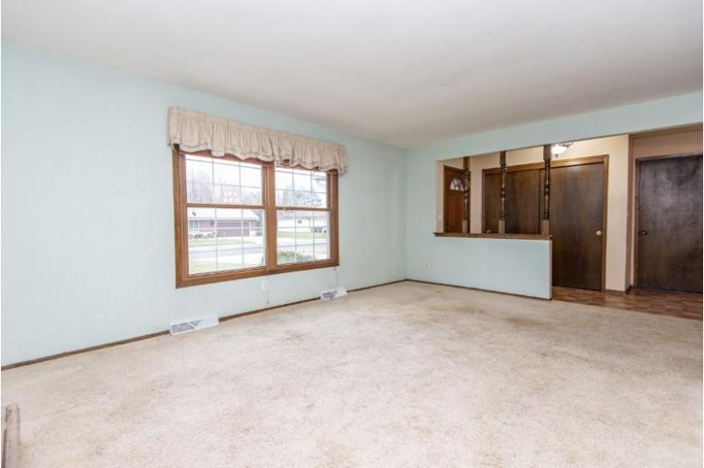 1133 Riverton Dr, Mukwonago, WI by Shorewest Realtors, Inc. $249,900
