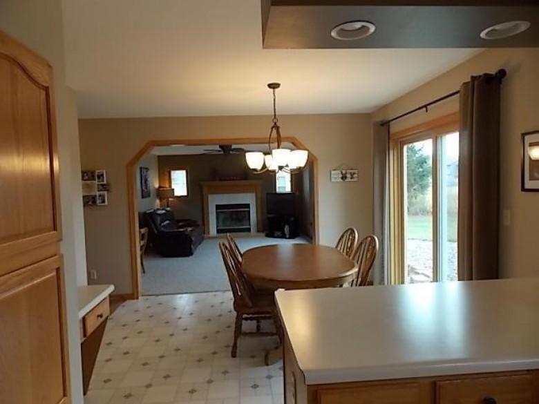 5910 Sunshine Ln Racine, WI 53402-5546 by Doperalski Realty & Associates, Llc $309,900