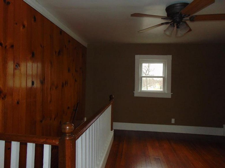 1321 Laurel Ave, Janesville, WI by Micoley.com Llc $109,900