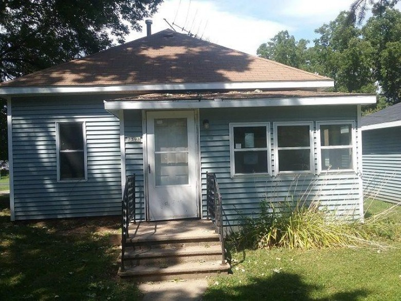 7398 Commercial Street Waukau, WI 54980 by RE/MAX Heritage $35,200
