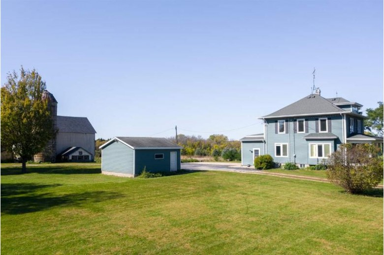 5553 Hwy 45, Oshkosh, WI by RE/MAX On The Water $299,900
