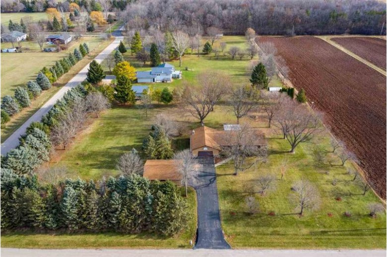 1751 W Paynes Point Road Neenah, WI 54956 by Century 21 Ace Realty $289,900