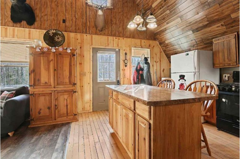 12951 Kingston Road, Mountain, WI by Coldwell Banker Real Estate Group $150,000