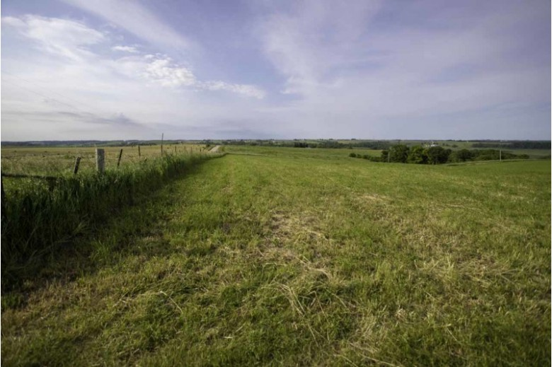 43 AC S Oak Park Rd Mineral Point, WI 53565 by First Weber Real Estate $295,000