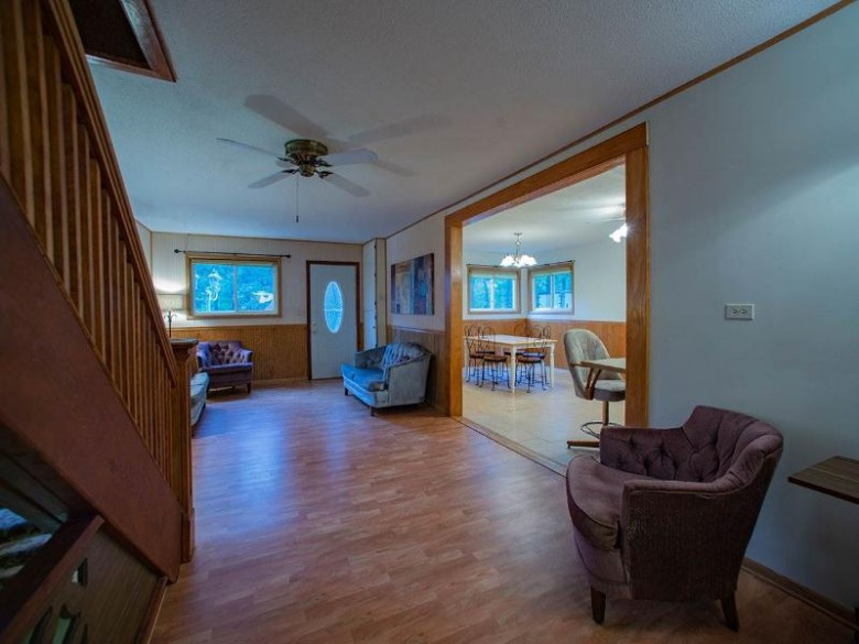 3227 9th Ave Wisconsin Dells, WI 53965 by Coldwell Banker Belva Parr Realty $284,000