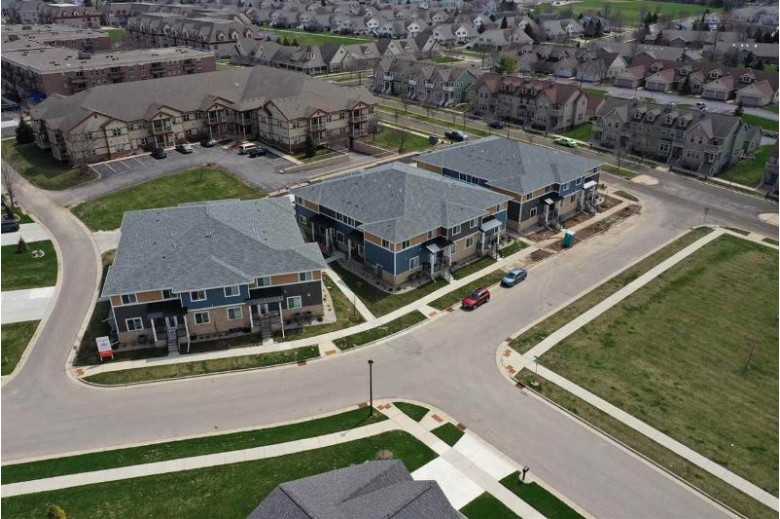 1325 Bunker Hill Dr 1108 Sun Prairie, WI 53590 by Re/Max Preferred $249,900