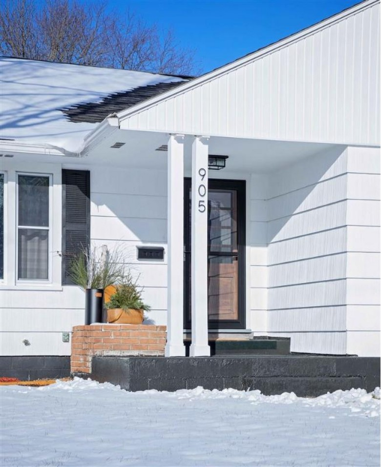 905 2nd St, Baraboo, WI by First Weber Real Estate $162,900