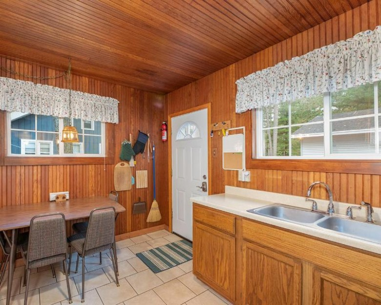 8316 Coachlite Cr 4, Minocqua, WI by Re/Max Northwoods $269,900