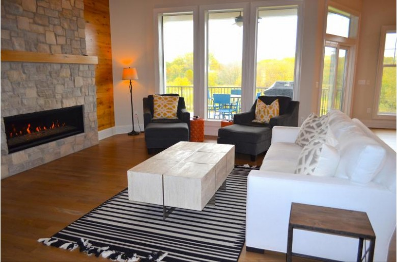 N18W24622 Still River Dr, Pewaukee, WI by Re/Max Realty 100 $950,000