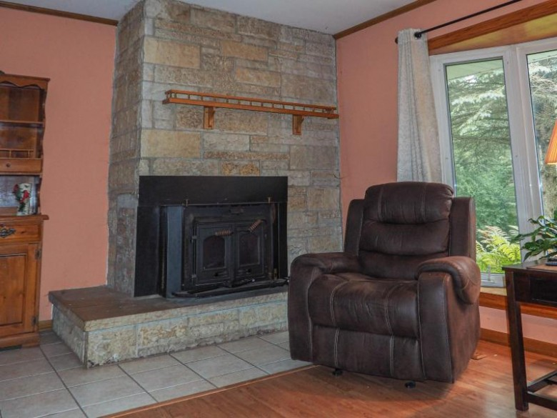1234 N Jenkins Dr Summit, WI 53066 by Redefined Realty Advisors Llc $349,000