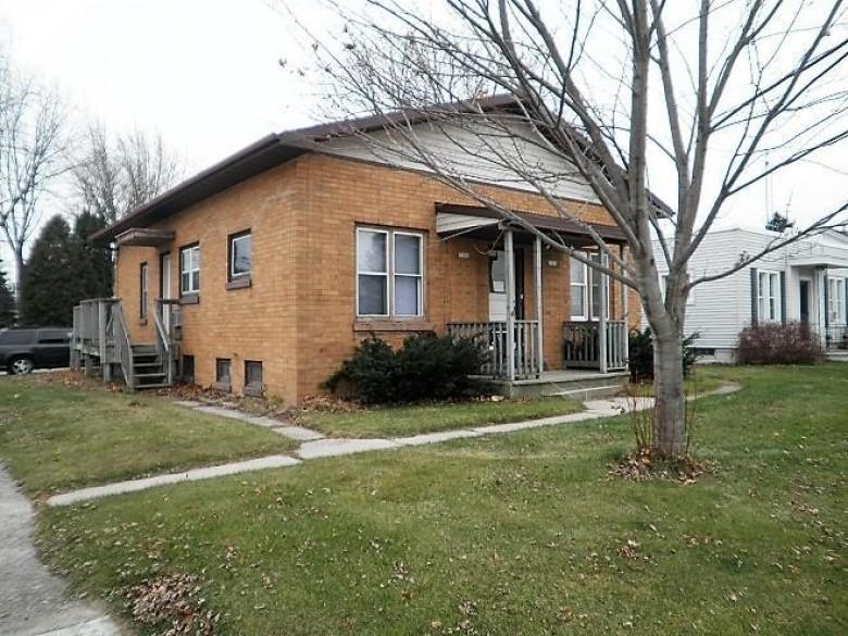 1501-1503 Dewey St, Manitowoc, WI by Keller Williams-Manitowoc $84,900