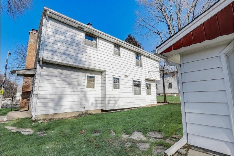 9425 W Oklahoma Ave, Milwaukee, WI by Re/Max Realty 100 $224,900