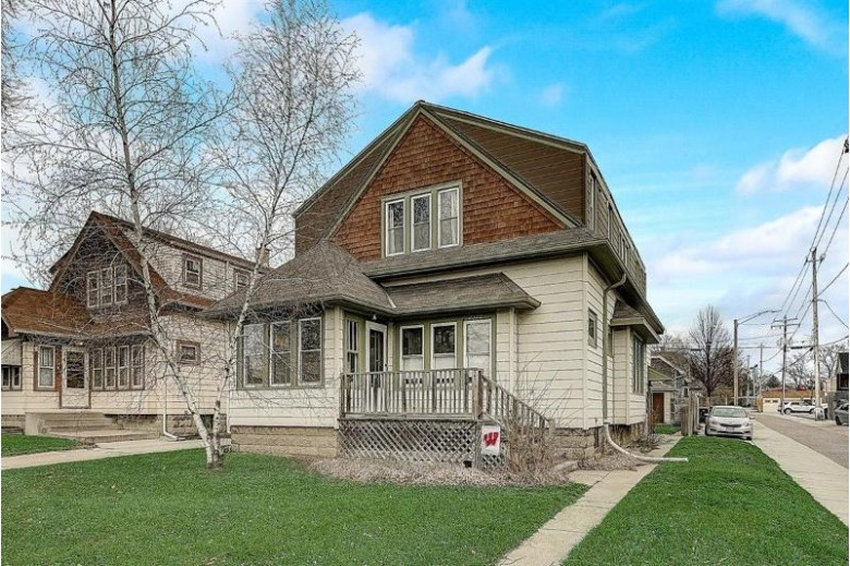2322 N 67th St, Wauwatosa, WI by Realty Executives Integrity~brookfield $292,000