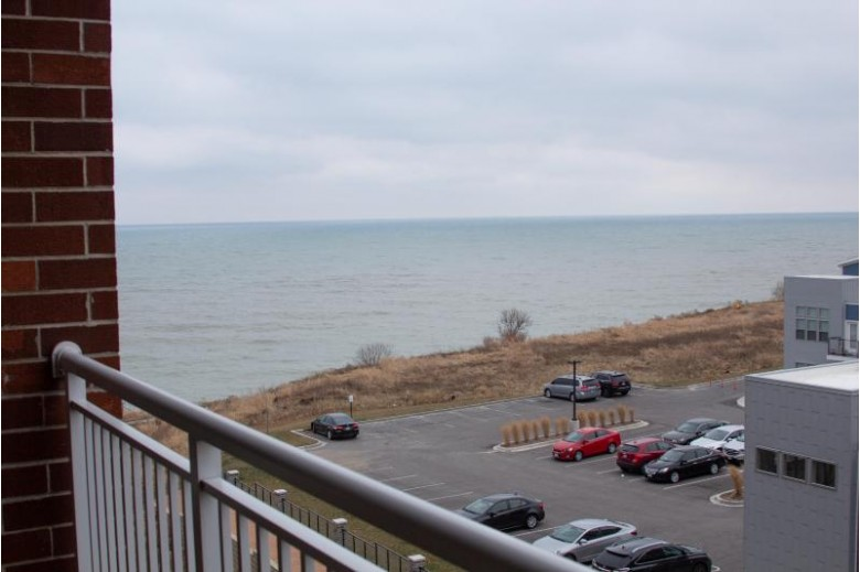 3930 S Lake Dr 404, Saint Francis, WI by Coldwell Banker Homesale Realty - Franklin $250,000