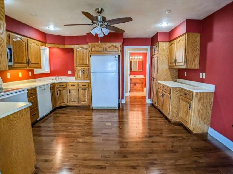 2193 Sunrise Drive 6-I Appleton, WI 54914 by Think Hallmark Real Estate $254,900