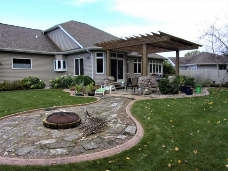 1533 Fallow Drive Neenah, WI 54956 by First Weber Real Estate $379,500