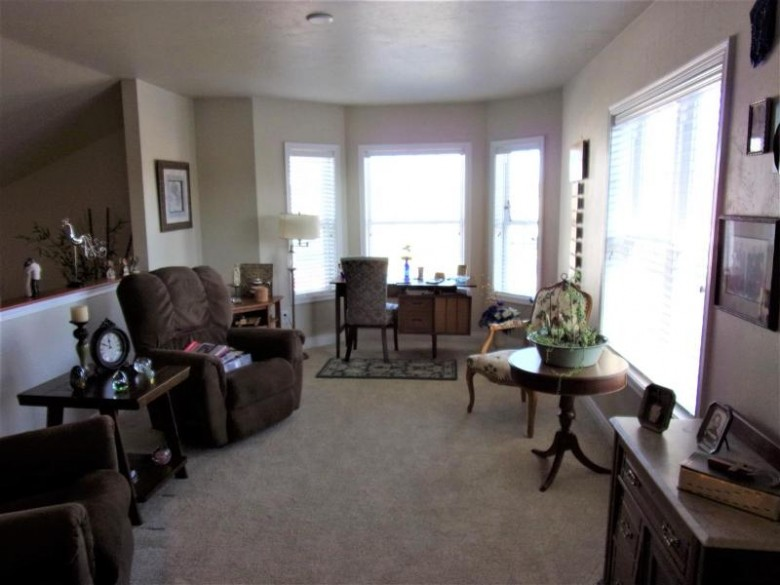 1227 Cameron Circle, Neenah, WI by First Weber Real Estate $240,000