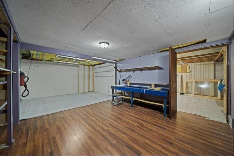 3246 Fondotto Drive Neenah, WI 54956-9539 by Keller Williams Fox Cities $279,900