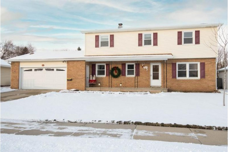 876 W 19th Avenue Oshkosh, WI 54902-6721 by First Weber Real Estate $236,900