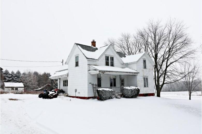 W3590 Schroeder Road Freedom, WI 54913 by Brenda Fritsch Realty $145,000