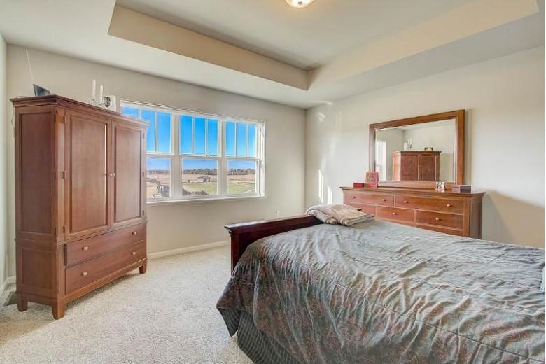 418 Peterson Tr Oregon, WI 53575 by Restaino & Associates Era Powered $400,000