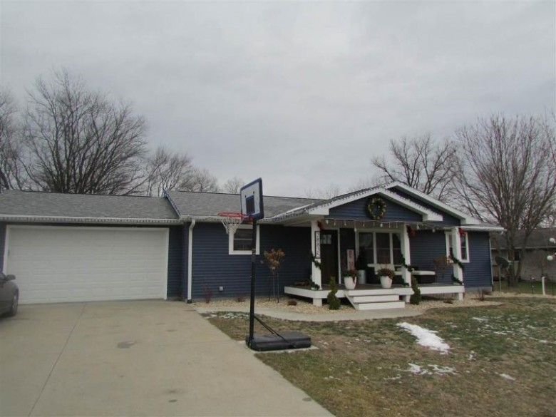 28835 Clary Ln, Richland Center, WI by Century 21 Complete Serv Realty $215,000