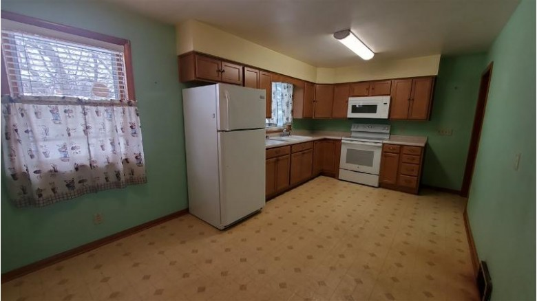 2032 Sunnyside St, Janesville, WI by Century 21 Affiliated $154,900