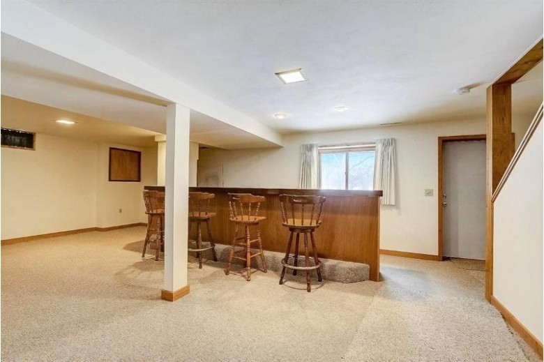 2302 Ravenswood Rd Madison, WI 53711 by Keller Williams Realty $269,900