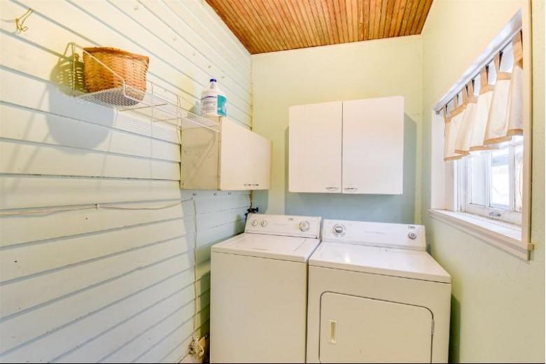 906 N Main St Dodgeville, WI 53533 by Potterton-Rule, Inc $149,900