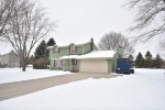 130 Orchard Knoll Dr West Bend, WI 53095-9530 by Shorewest Realtors, Inc. $250,000