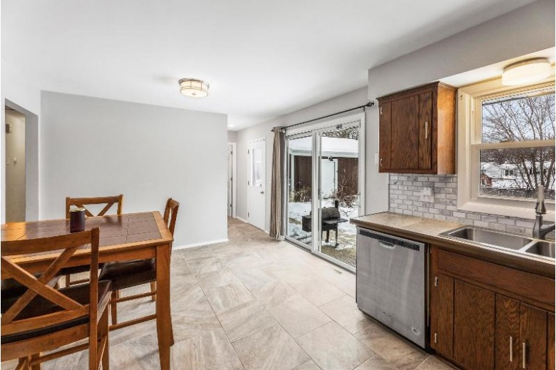 2040 Garland Ave Waukesha, WI 53188-3169 by Re/Max Service First Llc $249,900