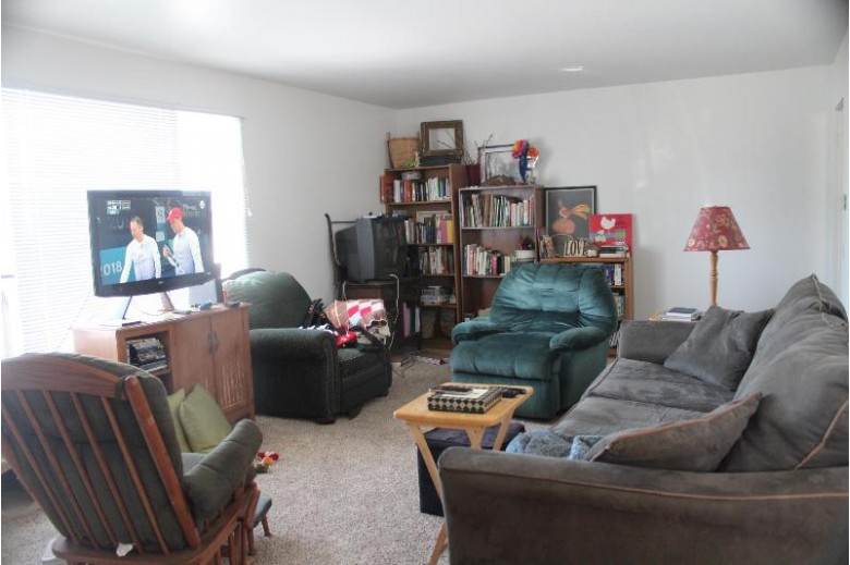 147 Curtis St, Lake Geneva, WI by Keefe Real Estate-Commerce Ctr $419,000
