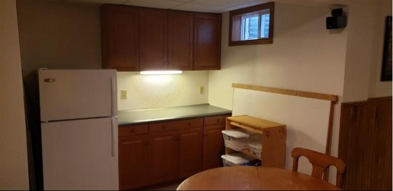 1031 New Haven Avenue Fond Du Lac, WI 54935-6568 by Distinctive Homes & Real Estate LLC $272,900