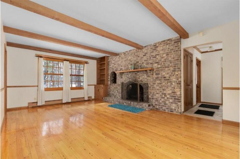 2874 Manor Drive, Oshkosh, WI by Keller Williams Fox Cities $263,900