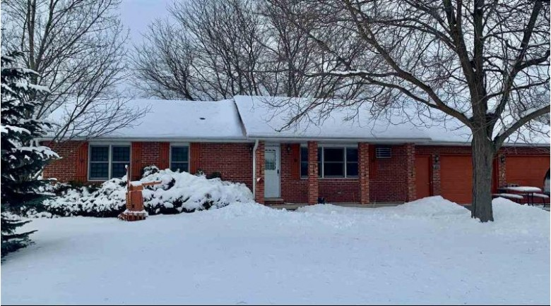811 Harrison Avenue, Omro, WI by Century 21 Affiliated $174,900