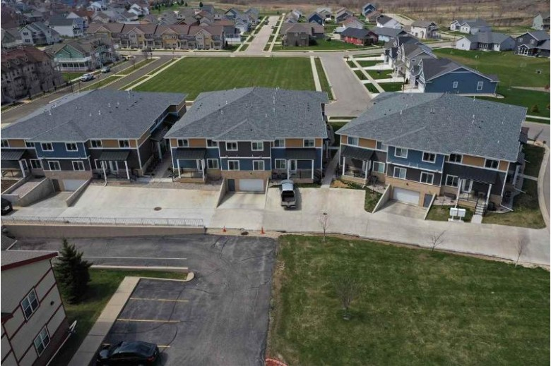 1325 Bunker Hill Dr 1104 Sun Prairie, WI 53590 by Re/Max Preferred $249,900