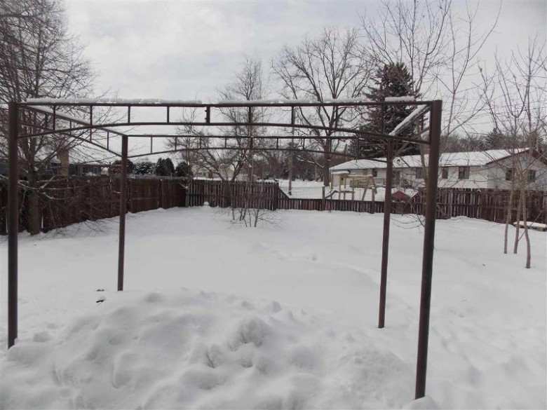 310 S Pleasant St, Cambridge, WI by Re/Max Community Realty $199,900