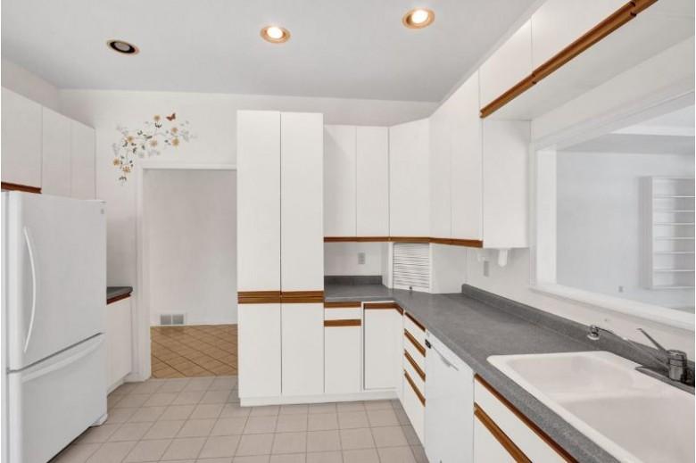 1313 Sweat Avenue, Wisconsin Rapids, WI by Keller Williams Rapids $185,000