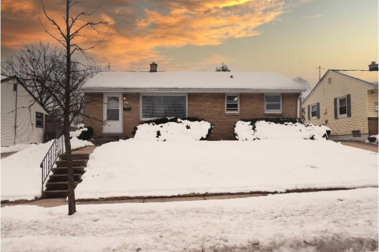 8111 W Lancaster Ave Milwaukee, WI 53218-3659 by Suv Properties Llc $169,900