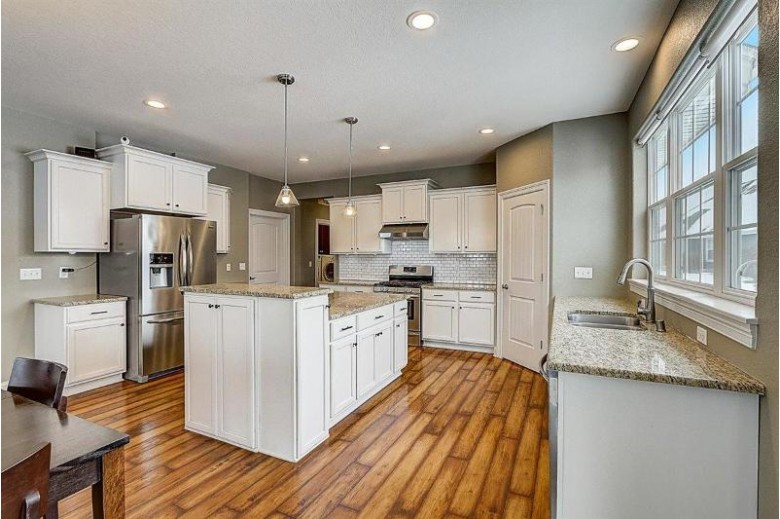 1289 Winterberry Rd Oconomowoc, WI 53066 by Re/Max Realty Group $569,900
